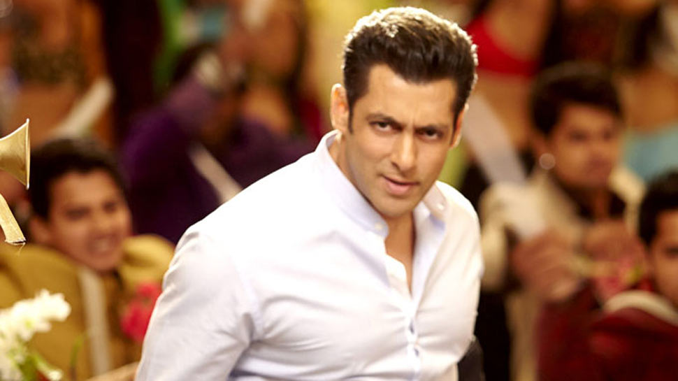 Salman Khan provides ration to daily wage workers