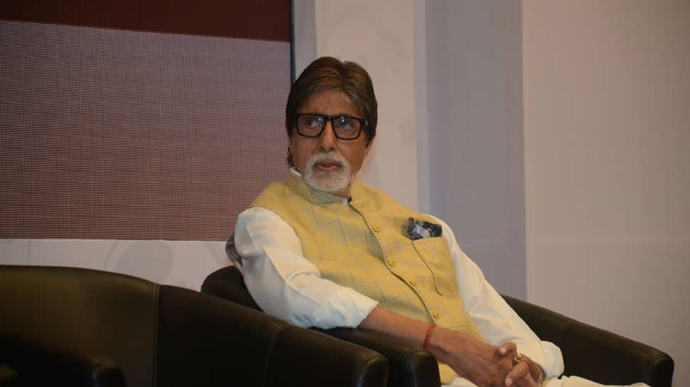 Bollywood news: Amitabh Bachchan appreciates workers on Sunday duty outside his bungalow