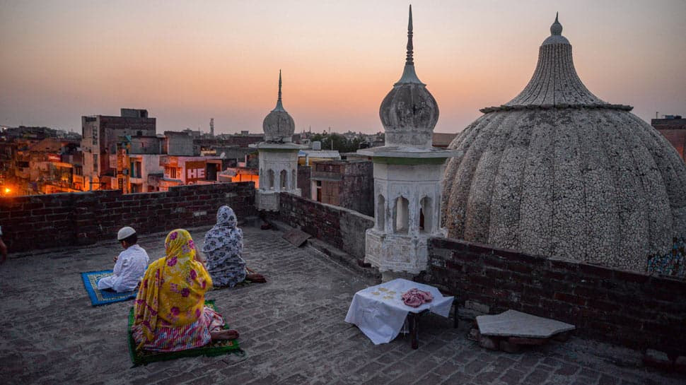 Eid-ul-Fitr 2020: India timings, moon sighting and here's when the country will celebrate Eid