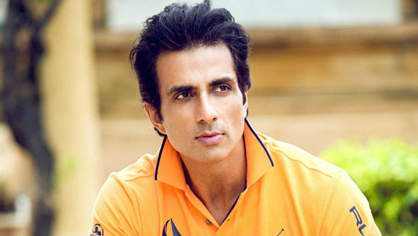 A Fan Performs Aarti Of Sonu Sood; The Actor Replies Humbly