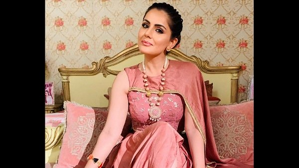 Choti Sarrdaarni: Simran Sachdeva Is NOT Quitting The Show; Says Everything Is Sorted!