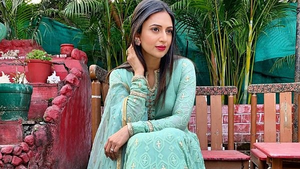 Divyanka Tripathi On COVID-19 Crisis: 'We All Are Going To Get Infected, Eventually'