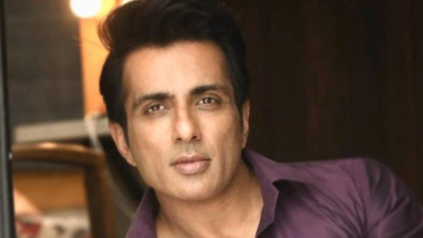 Sonu Sood Helps Man To Reach His Hometown To Perform Last Rites Of His Wife