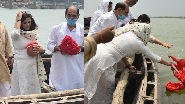 Sushant Singh Rajput Ash Immersion Pictures | Sushant Singh Rajput's Ashes Immersed In Ganga | Sushant Singh Rajput Asthi Visarjan In Ganga