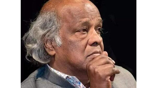 Poet Rahat Indori Passes Away, Celebs Mourn The Loss