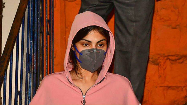 Sonam Kapoor, Zoya Akhtar, Anurag Kashyap And Others Write An Open Letter To Media