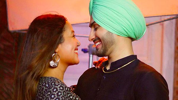 Neha Kakkar And Rohanpreet Singh Will First Have A Registered Marriage On October 22?