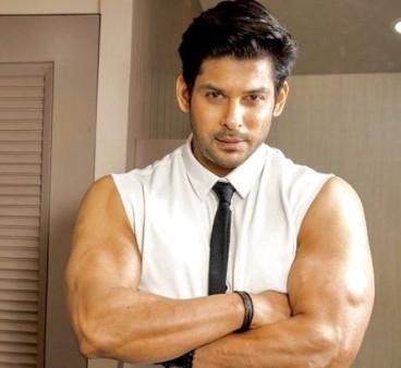 Sidharth Shukla flaunts his dapper physique for his fans