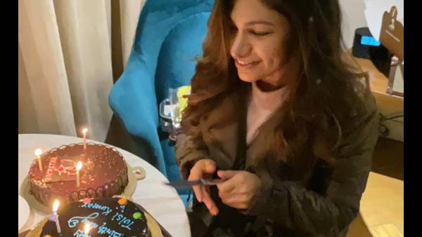 Tulsi Kumar celebrates her birthday on the sets of her upcoming song