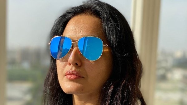 Kamya Panjabi Gives A Befitting Reply To The Trollers Who Slammed Her For Wasting Water