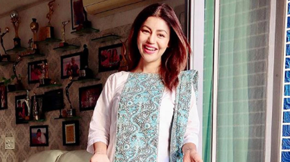 Mother's Day special: Debina Bonnerjee recalls how her mother stitched Kajol's 'Baazigar' outfit for her