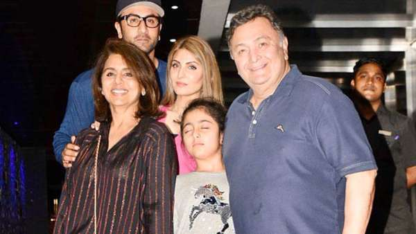 Neetu Kapoor Wishes This Throwback Family Photo With Rishi Kapoor Would Stay As It Is