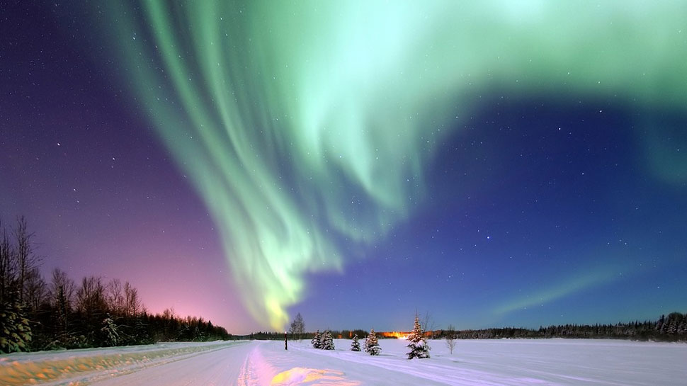 Scientists identify forces behind shifting of Earth's north magnetic pole from Canada to Russia