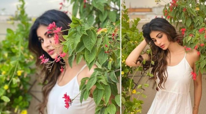 So pretty! Mouni Roy looks like a diva in these mesmerising pics