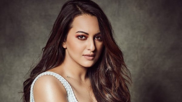 Sonakshi Sinha Extends Her Support To Raise Money For PPE Kits For Healthcare Workers