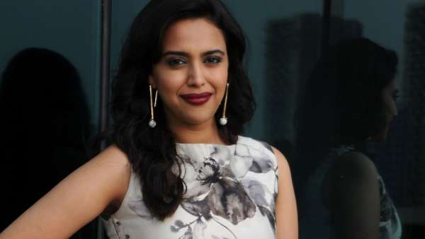 Swara Bhasker Travels 1400 Kms From Mumbai To Delhi After Her Mother Suffers A Fracture