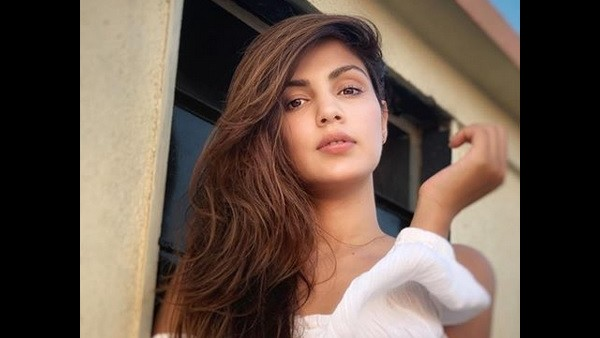 Rhea Chakraborty Summoned Again By ED On Monday After Questioning Her Brother For 18 Hours